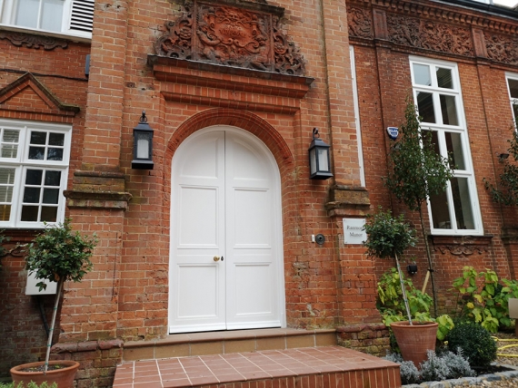 Manor house returned to glory with TeknosPro coatings