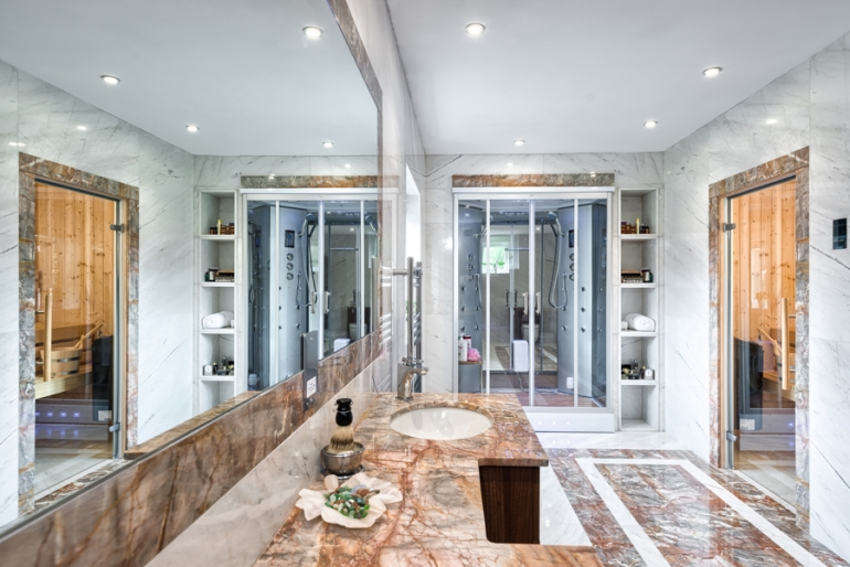 Opulent marble bathroom inspired by the hedonistic hammams