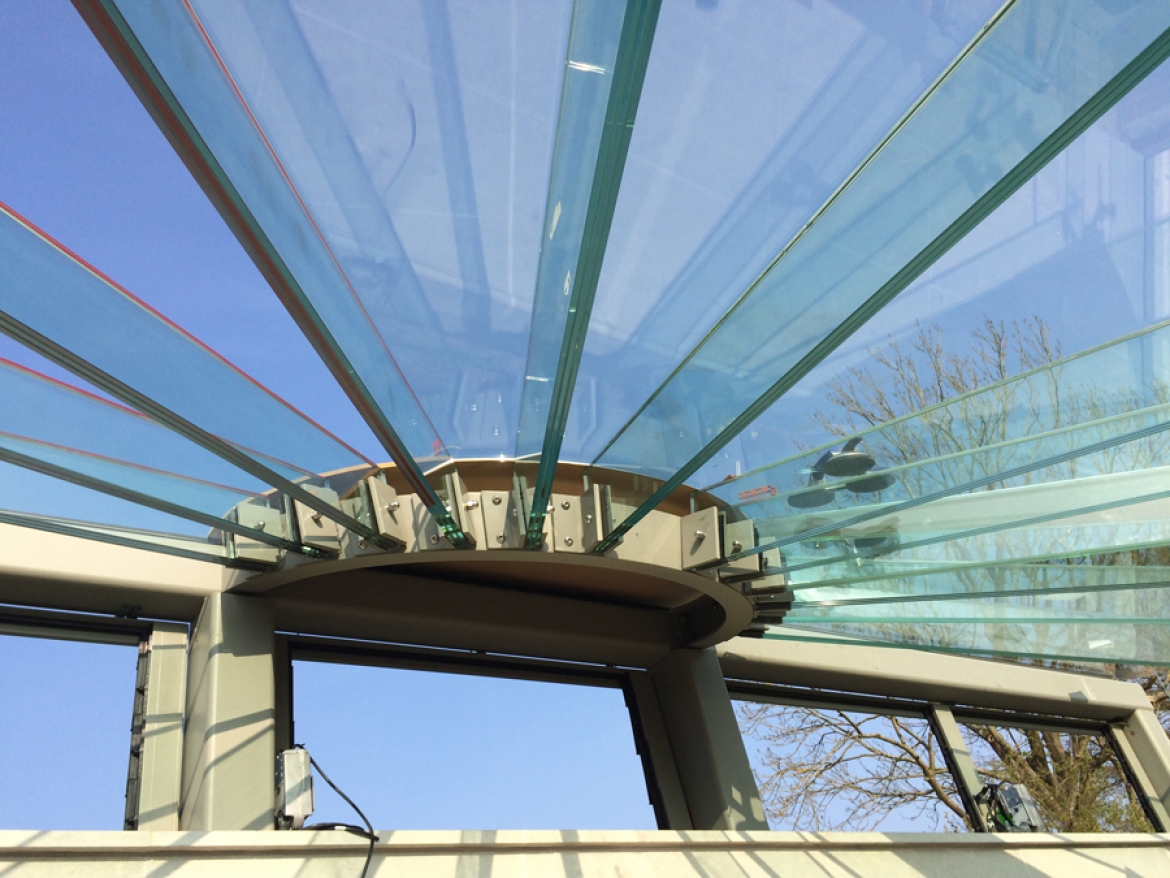 Structural glass garden room